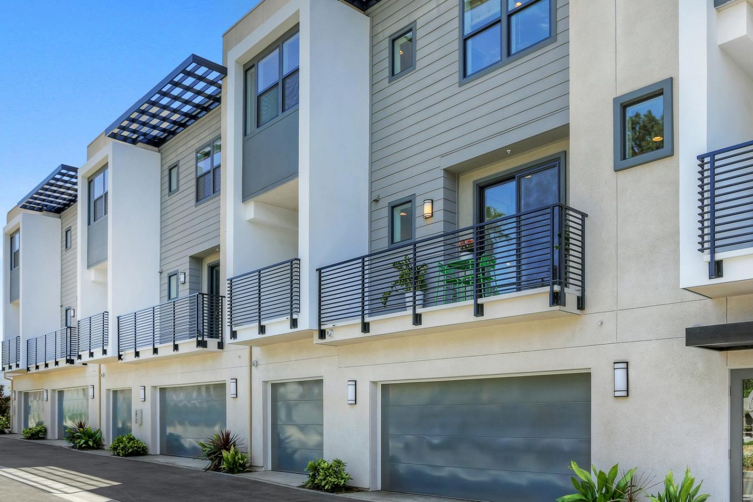 3943 Eagle Rock Blvd #42
