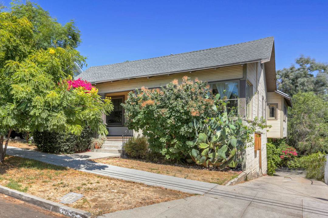 Tracy Do presents 1654 Edgecliffe Drive, Silver Lake, Bungalow, Real Estate, Home for Sale, Los Feliz