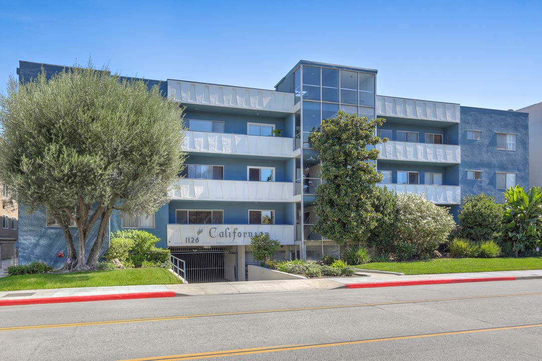 Spacious Condominium in Northwest Glendale, tracy do, real estate, glendale, los feliz, nela, silver lake, silver lake realtor, best realtor silver lake