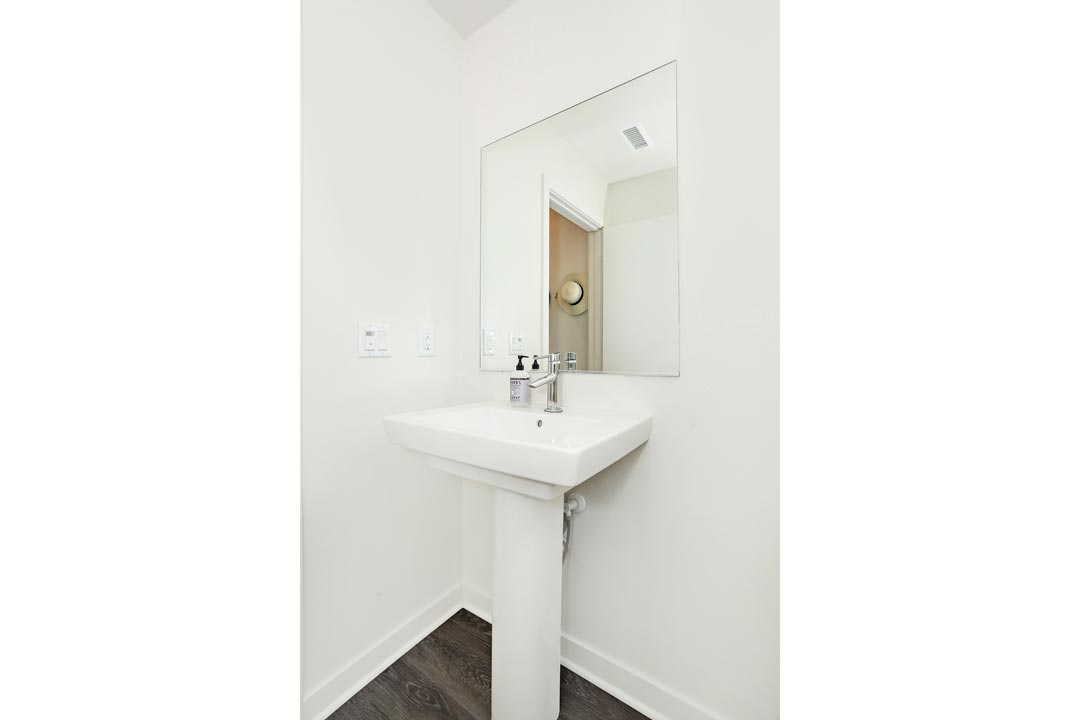3901 Eagle Rock Blvd #12 Tracy Do Home for Sale