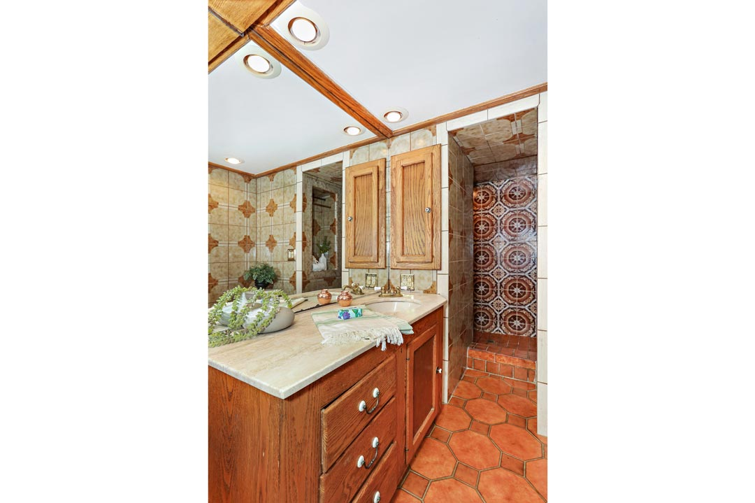 1630 N Benton Way Silver Lake Tracy Do Home for Sale