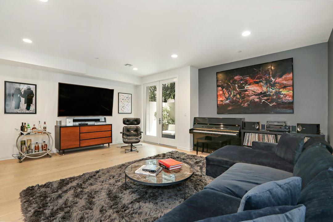 4240 Laurel Canyon Blvd #105 Studio City Condo for Lease Tracy Do