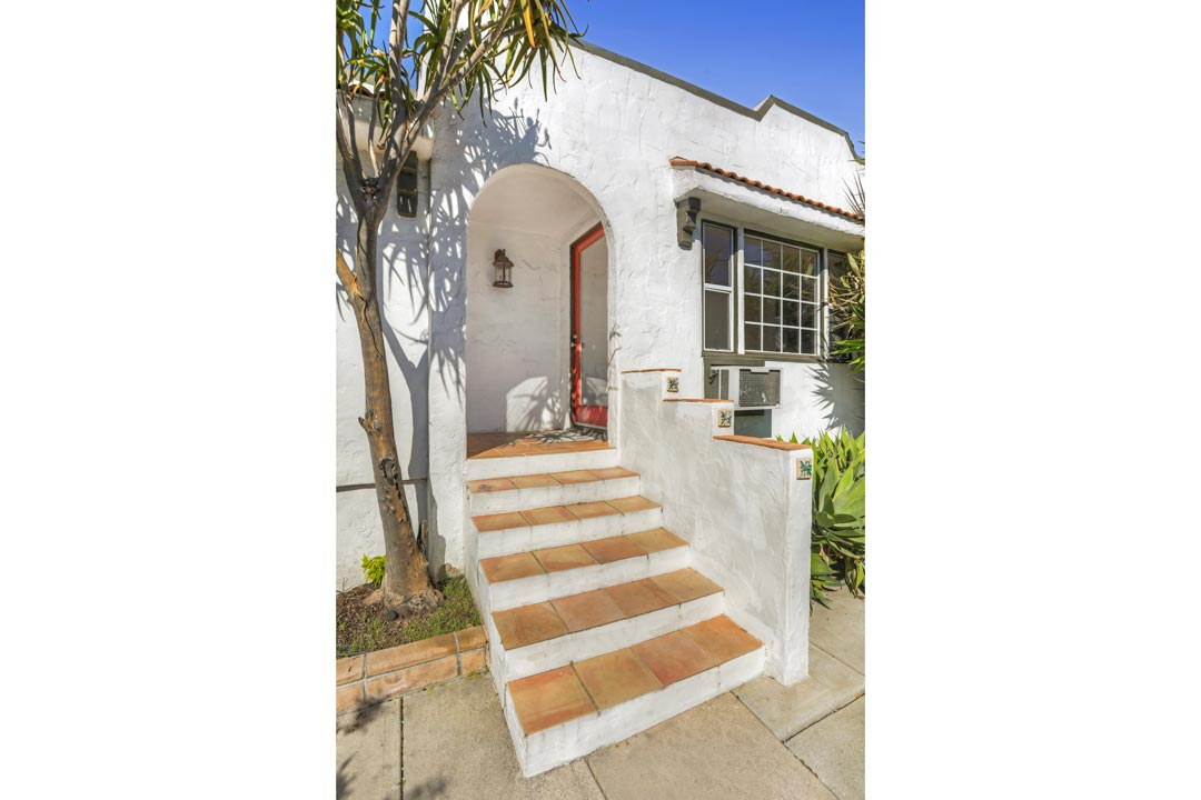 707 N Avenue 64 90042 Highland Park Lease Tracy Do
