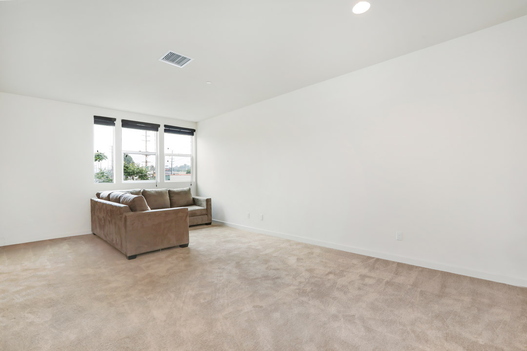 3945 Eagle Rock Blvd #48 Glassell Park NELA Union Home for Sale Tracy Do Compass