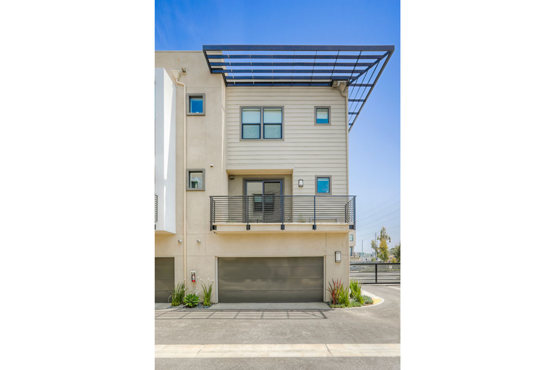 3941 Eagle Rock Blvd #40 Glassell Park NELA Union Home for sale Tracy Do Compass