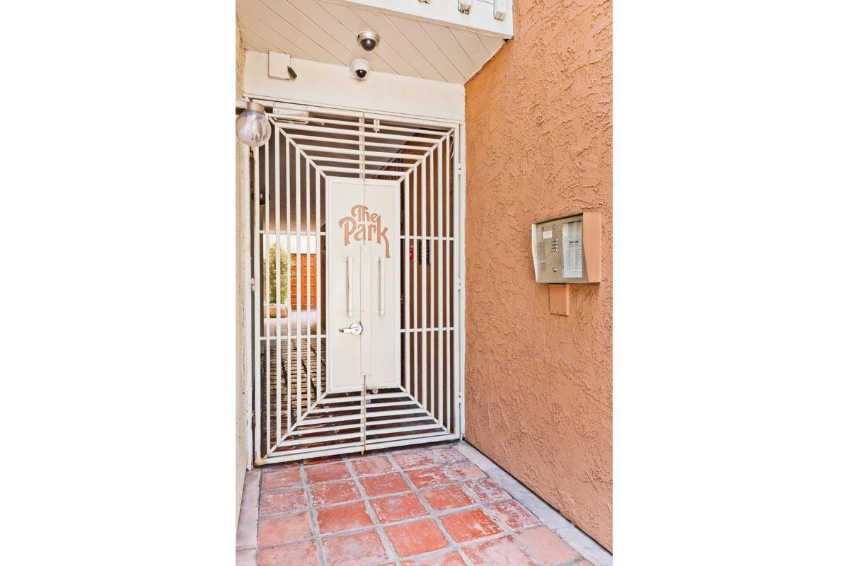 3315 Griffith Park Blvd #301 Los Feliz Condo for Sale Tracy Do Compass