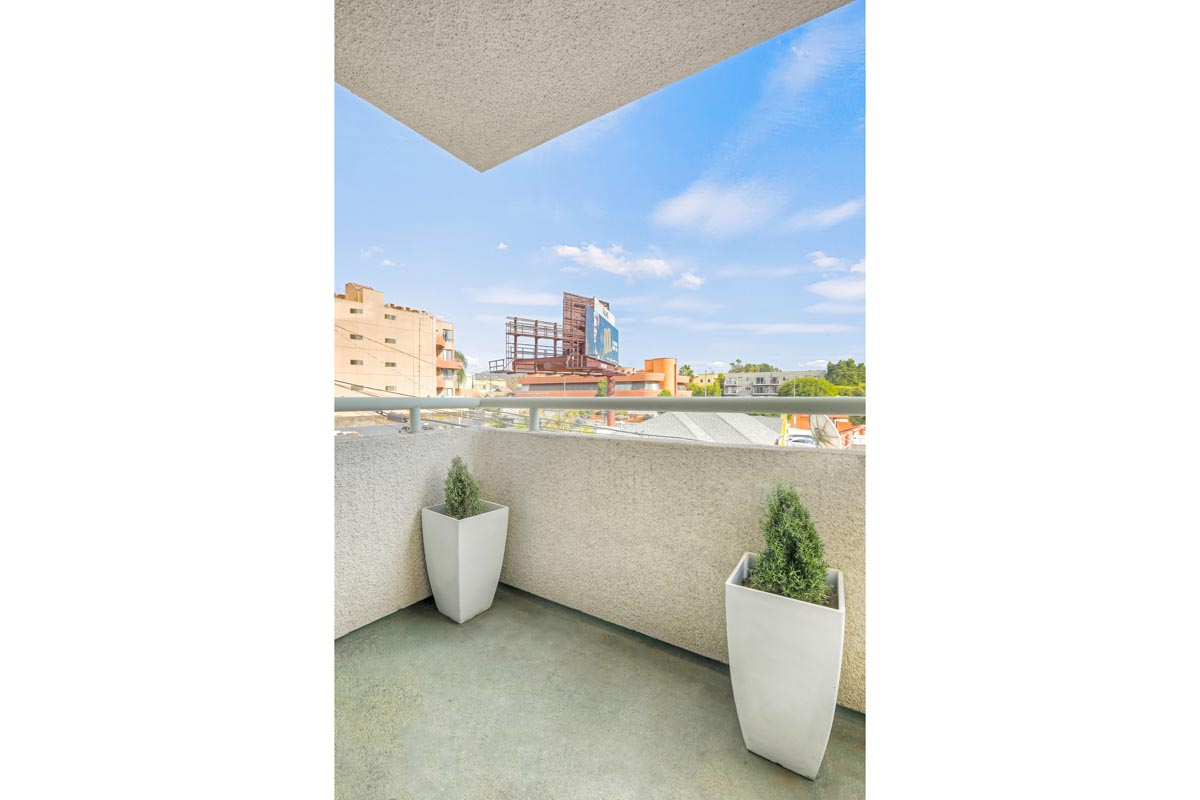 1310 N Detroit St #205 Hollywood Condo for Sale Tracy Do Compass