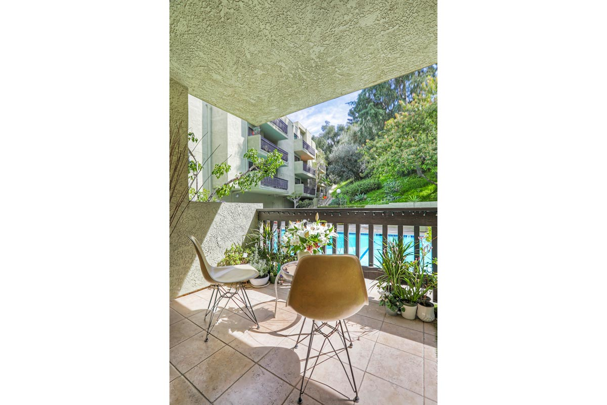 2018 Griffith Park Blvd #111 Silver Lake Condo for Sale Tracy Do Compass