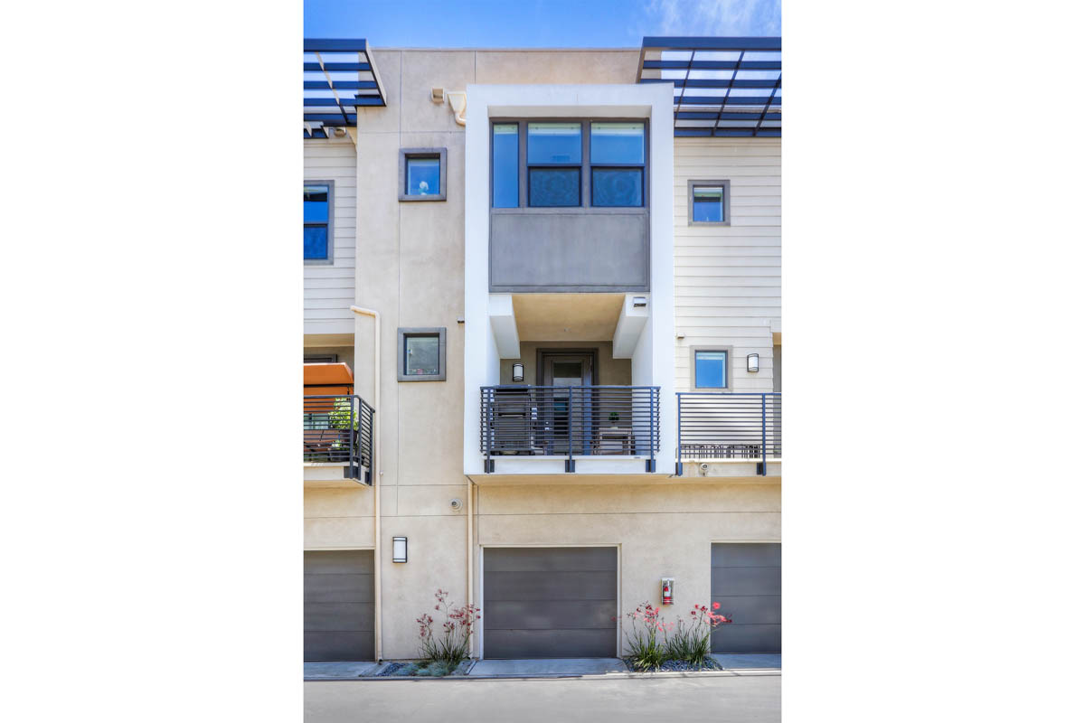 3945 Eagle Rock Blvd #49 Glassell Park Home for Sale NELA Union Tracy Do Compass