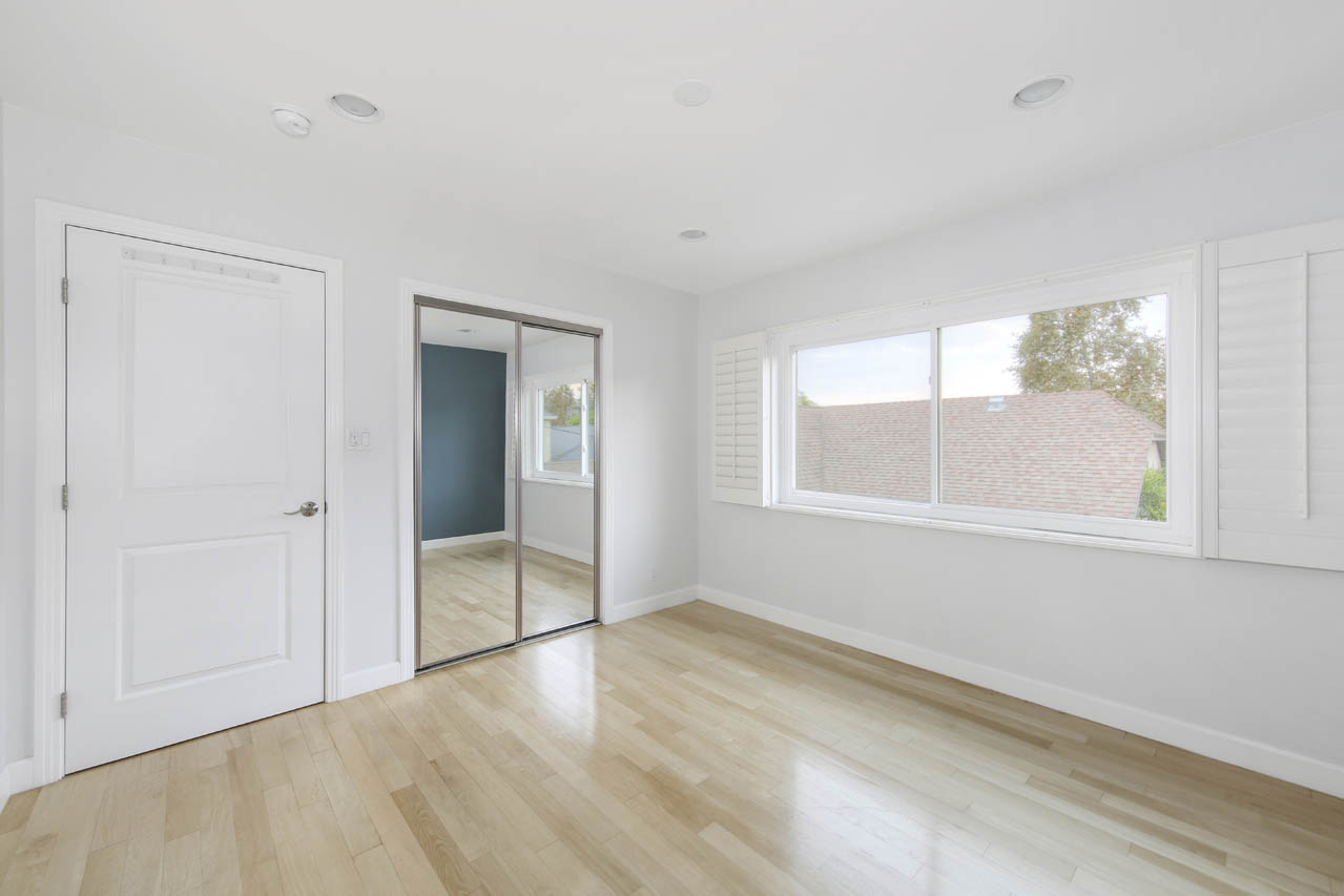 3443 & 3443 1/2 Madera Ave 90039 Silver Lake Duplex for Sale Tracy Do Compass Real Estate