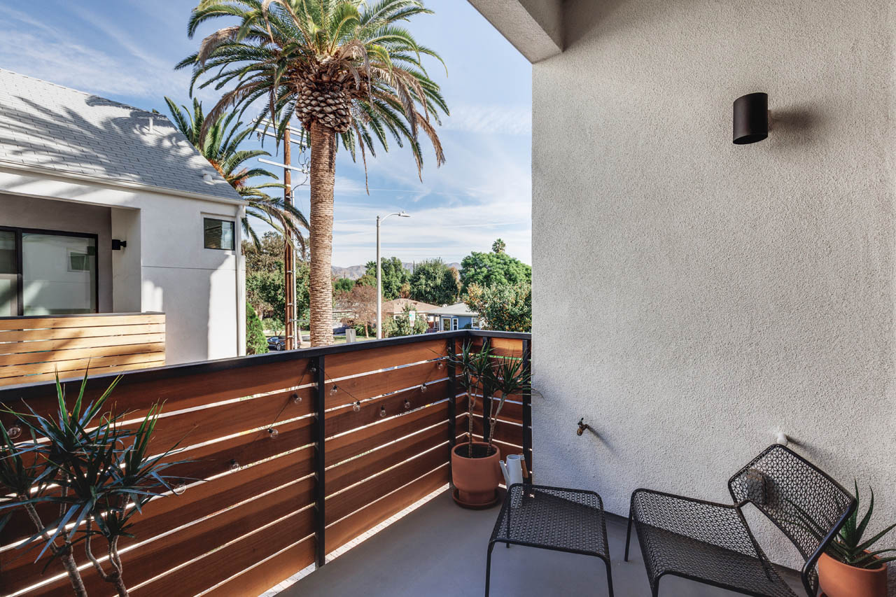 10700 W Octave Ln North Hollywood Home for Sale Tracy Do Compass Real Estate