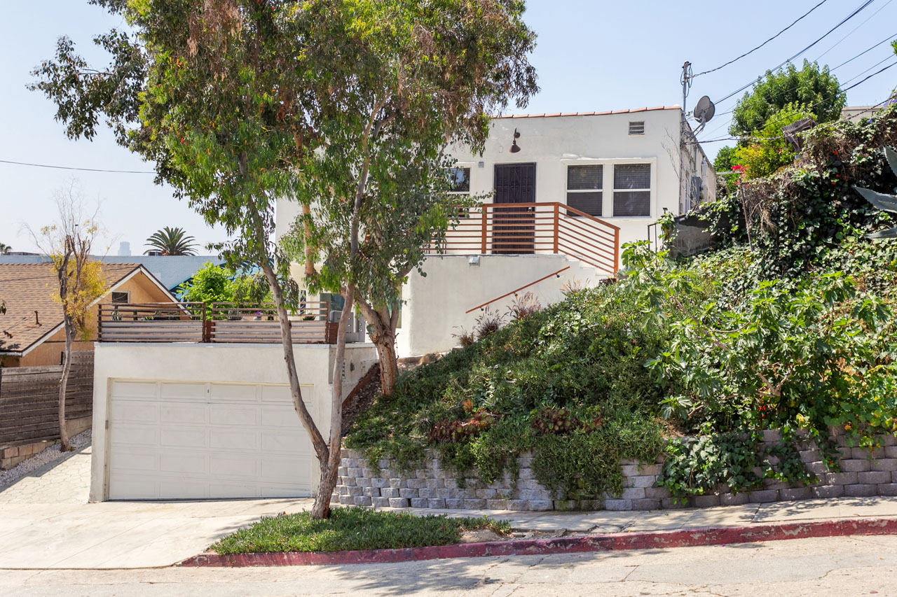 2218 Effie St Silver Lake Home for Sale Tracy Do Compass Real Estate