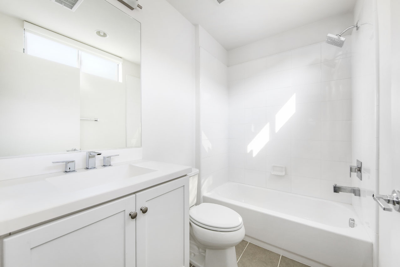 2205 Polyscope Pl Silver Lake Home for Sale Tracy Do Compass Real Estate